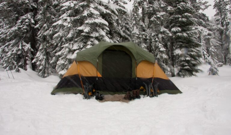 05 DIY Ideas for Camping In Winter
