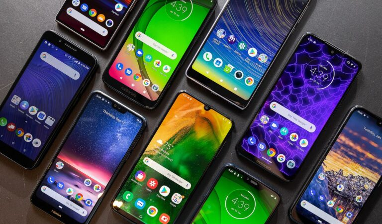 Benefits and Disadvantages of Using Mobile Phones